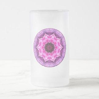 Caleidoscopio púrpura y rosado del ranúnculo tazas
