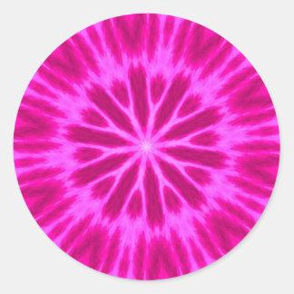 Caleidoscopio teñido anudado de las rosas fuertes pegatina redonda