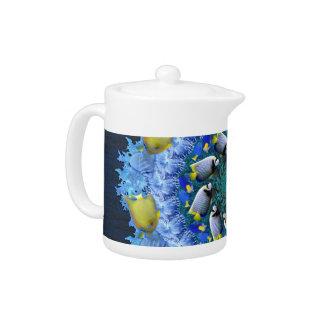 Caleidoscopio tropical de los pescados en azules y
