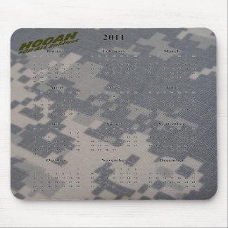 Calendario 2011 y Hooah para todos los soldados Tapetes De Ratones