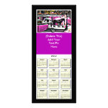 Calendario 2012 de la tarjeta del estante junto el plantilla de lona