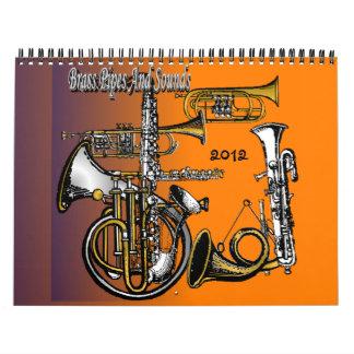 Calendario de cobre amarillo de los tubos y de los