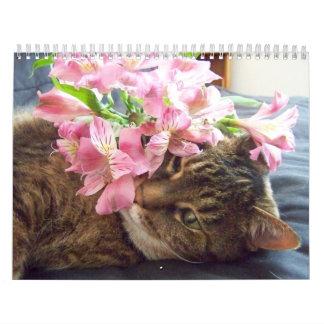 Calendario de las flores del gatito que huele