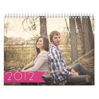 Calendario de pared rosado del diseño 2012 de la
