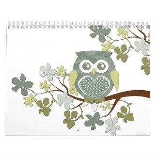 Calendario del búho del árbol de la polca