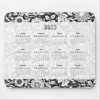 Calendario floral negro y blanco 2013 del cojín de mouse pads