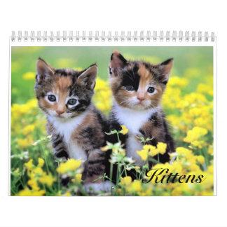 Calendario lindo del gatito