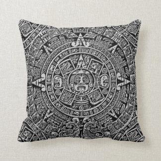 Calendario maya cojín