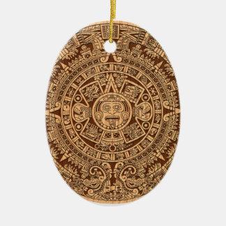Calendario maya adorno ovalado de cerámica