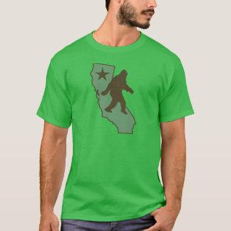 California Bigfoot (vintage distressed look) T-Shirt