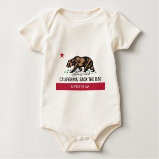 California, despide el bolso mameluco