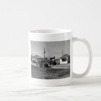 California Dreamin': 1939 Coffee Mugs