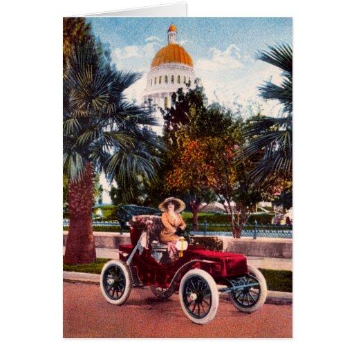 California que conduce el coche eléctrico del vint tarjetón