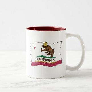 California sabe ir de fiesta el oso taza de dos tonos