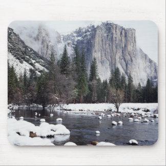California, Sierra Nevada Mountains, Yosemite 2 Mouse Pad