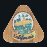"""California surfboard speaker<br><div class=""""desc"""">Hello,  this unique and funny design represents a surfboard with a retro and sweet blazon of California.</div>"""