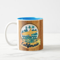 surfboard, california, vintage, sports, funny, surf, retro, cool, 60's, mug, spring, wave, nostalgic, america, water sports, nostalgia, water, swag, fun, Caneca com design gráfico personalizado