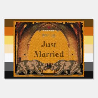 Californian Bear Grooms Just Married Yard Sign