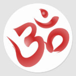 Caligrafía hindú roja de OM Aum Devanagari del Etiqueta Redonda