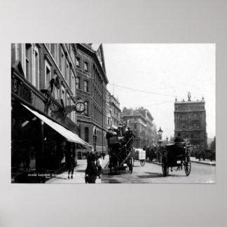 Calle de la reina Victoria, Londres, c.1891 Póster