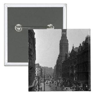 Calle de mercado, Manchester, c.1910 Pin Cuadrado