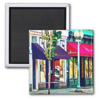 Calle de Roanoke VA con el restaurante Imán