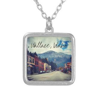 Calle del banco en Wallace Idaho Colgante Cuadrado