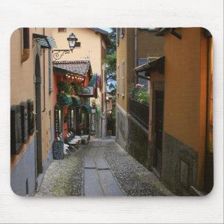 Calle del guijarro en Bellagio Tapete De Ratón