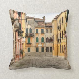 Calle Del Montello, Venecia Italia Cojin