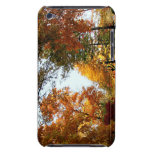 Calle del pueblo en otoño Case-Mate iPod touch cárcasa