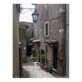 Calle en ciudad vieja en Roma Postal