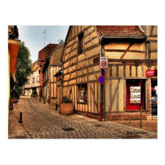 Calle en la postal de Troyes Francia