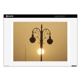 Calle light.png de la puesta del sol del Victorian Calcomanías Para 38,1cm Portátiles