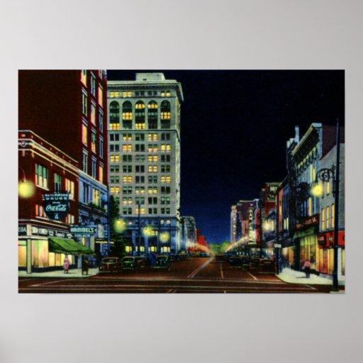 Calle principal de Lexington Kentucky en la noche Poster