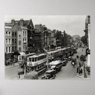 Calle principal de Whitechapel, Londres, c.1930 Poster