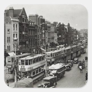 Calle principal de Whitechapel, Londres, c.1930 Pegatina Cuadrada
