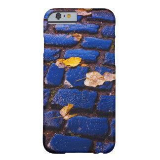 Calle púrpura y azul del guijarro funda barely there iPhone 6