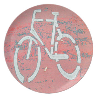 Calle roja de la bicicleta blanca, bicicletas de plato de cena