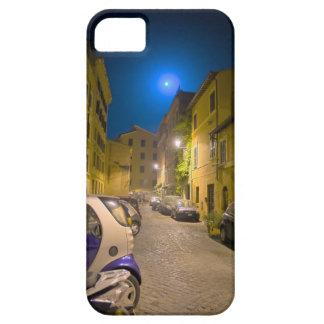 Calle romana de la vecindad en la noche iPhone 5 funda