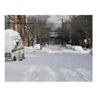 Calle urbana residencial (de la ciudad) en tarjetas postales