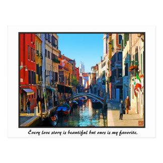 Callejón de Venecia con cita del amor Postales