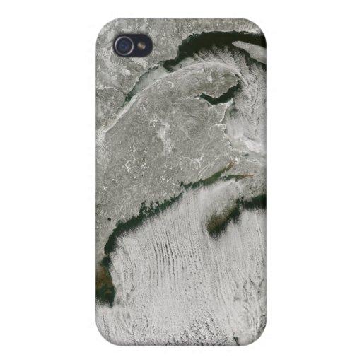 Calles de la nieve y de la nube iPhone 4 carcasas