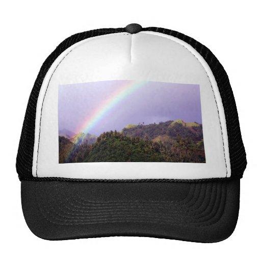 Calma de la paz del agua del arco iris gorros bordados
