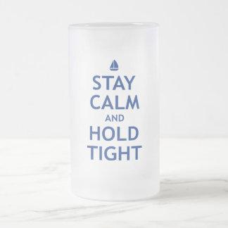 Calma y asimiento de la estancia firmemente taza de cristal