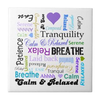 Calma y tipografía de relajación de las palabras d azulejos ceramicos