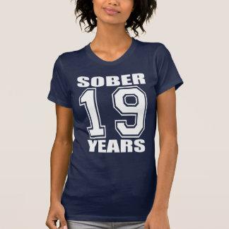 Calme 19 años de blanco en oscuridad camisetas