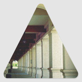 Calzada arqueada pegatina triangular