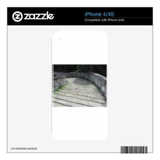 Calzada de piedra de la pendiente del puente iPhone 4 calcomanía