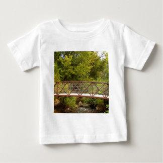 Calzada del secreto del bosque t-shirts