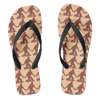 Calzado divertido del modelo de Bigfoot que camina